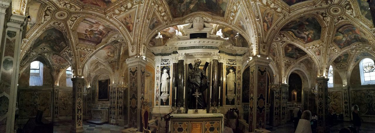 Architecture Built Structure Indoors  Building Place Of Worship Religion The Past History Belief Spirituality Architectural Column Arch Travel Destinations Ceiling No People Altar Architecture And Art Ornate Cripta Duomo Di Amalfi Chiesa Soffitto Panoramic Photography Panoramic Turisti