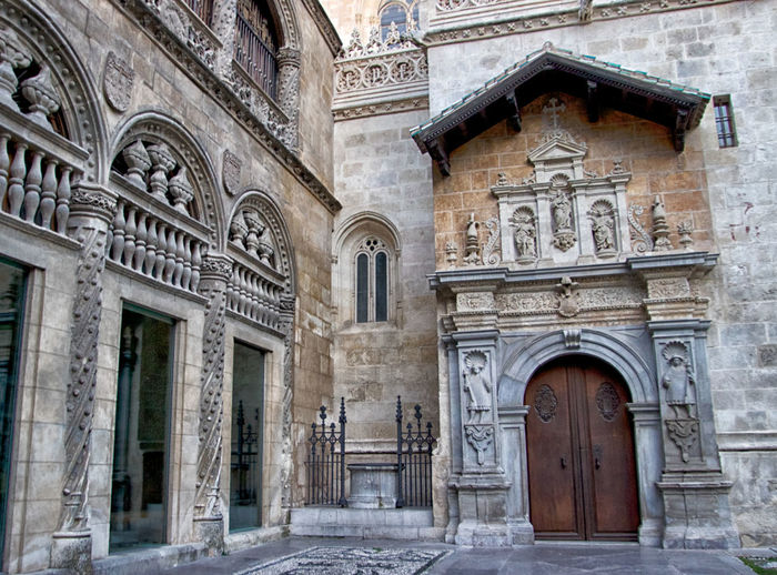 Architecture Built Structure Building Exterior History The Past Arch Building Day Travel Destinations No People Entrance Door Old City Façade Ancient Travel Outdoors Low Angle View Tourism Architectural Column Ornate Ancient Civilization