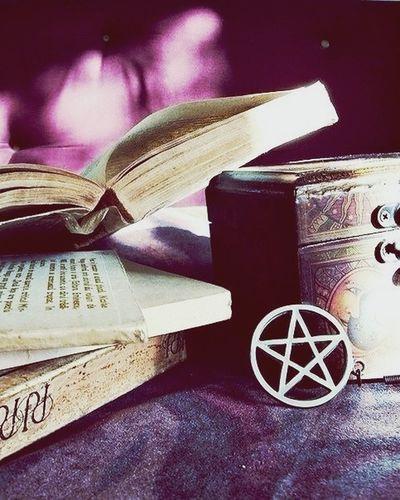 Pentagrama Books