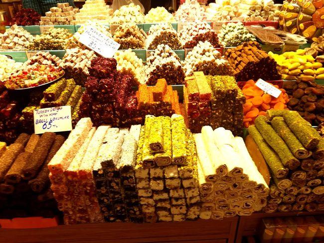 mısır çarşısı İstanbul Tatli Sweet Istanbul Turkey Konstantinopolis Bedestençarşısı Turkeyphotooftheday Travel Bazaar Travel Photography Baharatçılar çarsı Retail  Variation Price Tag Choice For Sale Market Close-up Food And Drink Market Stall Shop