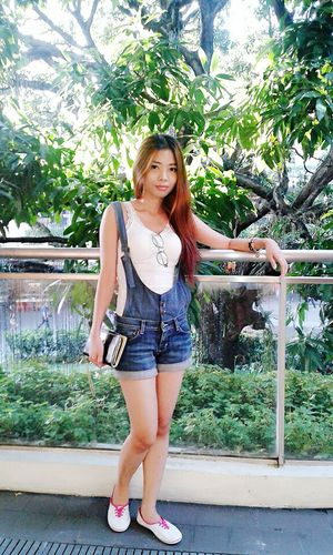 Hello World That's Me Ootd Denim Jumpsuit Denim Shorts Denim Casual Look Casual Clothing Casualstyle Casual Today's Hot Look Fashion&love&beauty Simplicity Smart Simplicity Simple Beauty Simply Me Selfie ✌ Looking Cute Be Yourself Stay True, Be YOU ❥ ExpressYourself Let's Do It Chic! Keep It Real I'd Totally Rock That!