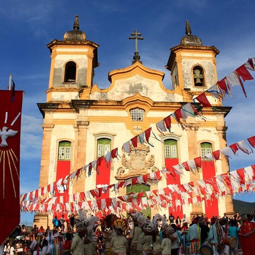 Mariana Tradição De Família. Architecture Brasil Congado Cultura Igrejas Igrejaspelomundo Minasgerais People Religiao Religion Tradiçãocultural