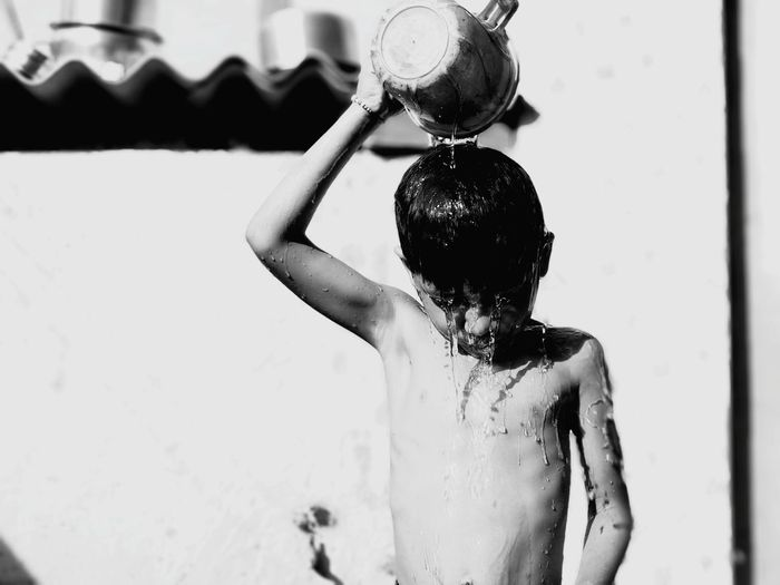 Water Village View Village Life Wet Villege People Women Village Boy EyeEm Selects House Wife Mother Bath Eeyem Photography EE_Daily: Black And White EeYem Best Shots Ee_daily Eeyemgallery Eeyem Water Standing Close-up