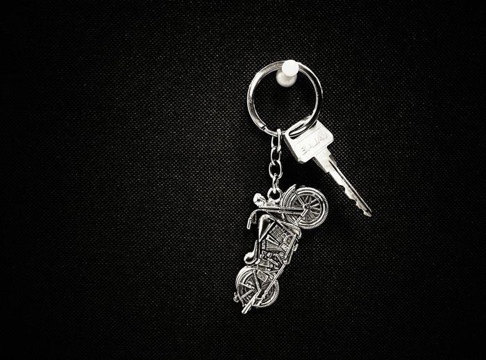 Keychain Bikekey Nexus5 Bajajavenger Bajaj Black And Silver Object Photography Objects Of Everyday Life