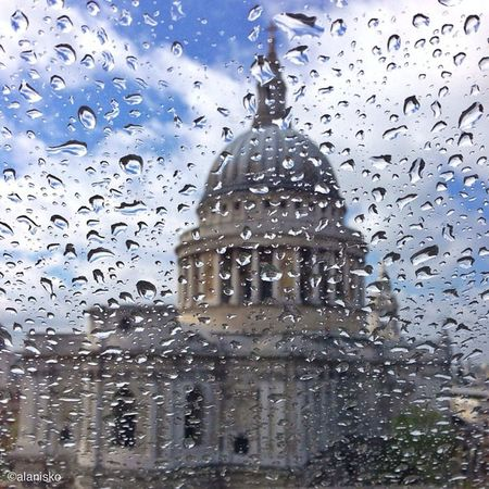 Rainy #london ?????#stpauls #alan_in_london #gf_uk #gang_family #igers_london #insta_london #london_only #thisislondon #ic_cities #ic_cities_london #ig_england #love_london #gi_uk #ig_london #londonpop Thisislondon Gi_uk Igers_london Ig_england London Love_london Ic_cities_london Stpauls Ig_london Gang_family Londonpop London_only Ic_cities Stpaulsloversanonymous Gf_uk Alan_in_london Insta_london