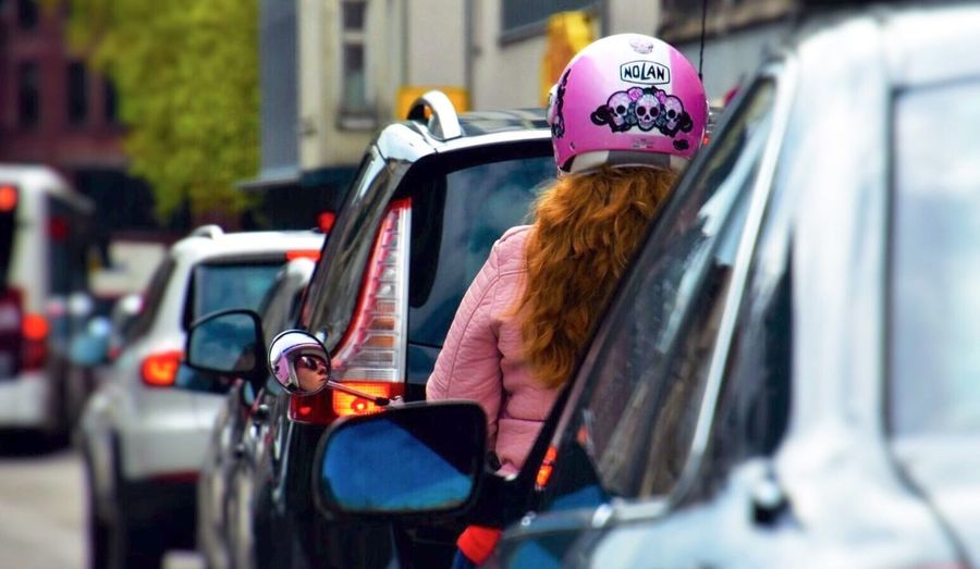 MeinAutomoment Faszination The Red Hair Traffic Jam In The Mirror You Can See Her Pretty Face Streetphoto Street Photography Streetphoto_color Germany