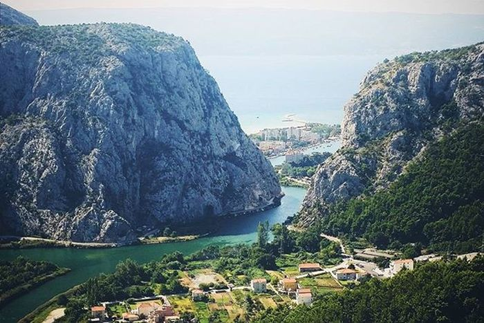 Love this view! 😍🗻 Panoramicview Naturelove Nature Naturelover Naturelovers Nature_perfection Water Water_captures River Cetina Omis Sight View Mountain Mountains Hills Hill City Sea Ocean Oceanside Oceanporn Landscape Landscapelovers Landscape_lovers landscape_captures earth_dream ig_masterpiece incredible_masterpiece mthrworld