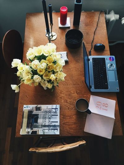 Home office 📝 EyeEmNewHere Working 2018 Elle Magazine Tulips Coffee Time Office Home Office Flower Table Indoors  High Angle View Desk Vase No People Directly Above EyeEmNewHere Modern Workplace Culture