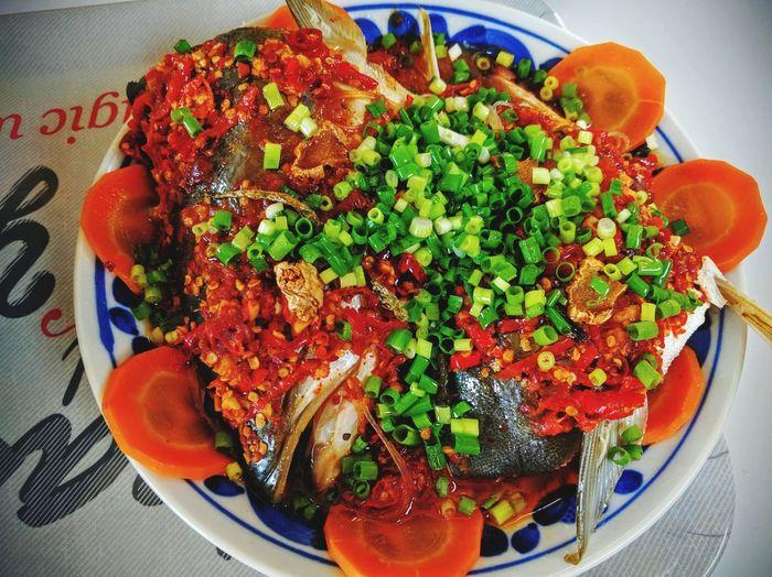 四川風の唐辛子と魚の頭の蒸し🍻自炊で💦 中華料理 料理 四川料理 食事中 食べ物 Chinese Food Spicy Food Foodphotography Food And Drink Healthy Eating