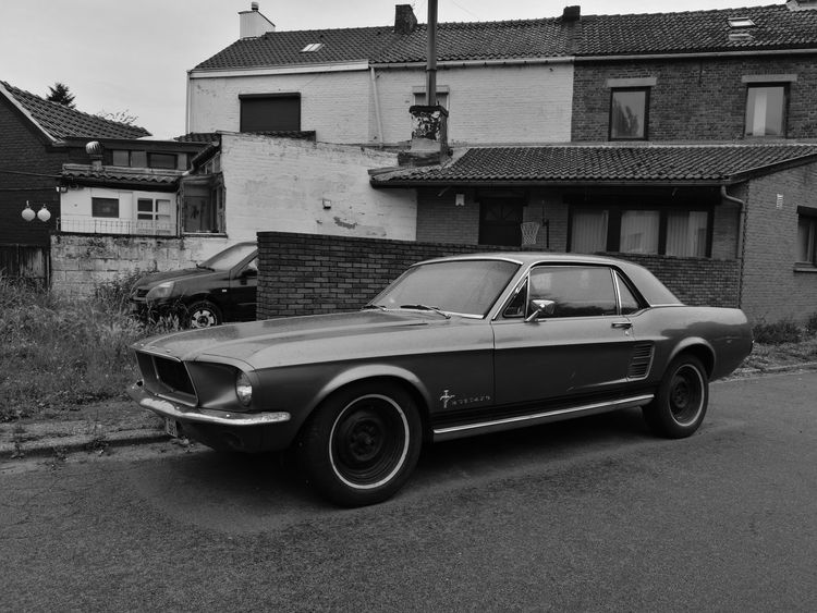 Ford Ford Mustang Car Old-fashioned Outdoors Retro Styled Rain Raindrops Black & White Building Exterior No People HuaweiP9 Newoneyeem Architecture Built Structure House Land Vehicle Mode Of Transport Transportation Day