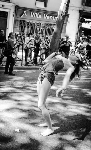 J'ai mal au dos! Dance Taking Photos EyeEm Bnw Monochrome