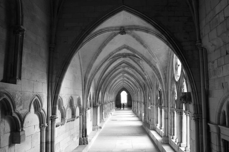 Picture made in France Bogen Curch Kloster Corridor Built Structure Architecture