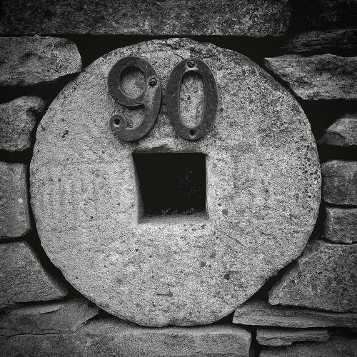 Stone Housenumber Monochrome Yorkshire Ironwork  Numbers 90 Huwawei Huwawie P9