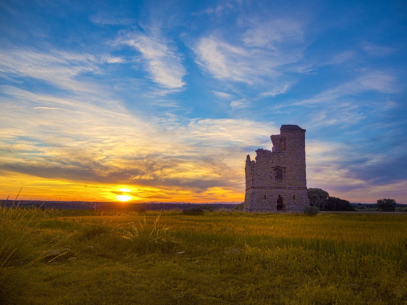 Farewell to the past. Sunset on the optical telegraph Perales de Tajuña, Madrid, Spain. Cloud Perales De Tajuña Ruins SPAIN Wheat Architecture Building Exterior Built Structure Cloud - Sky Land Landscape No People Outdoors Ruined Ruins Architecture Ruins Of A Past Ruins_photography Semaphore Line Semaphore Signals Sky Sunlight Sunset The Past Tower