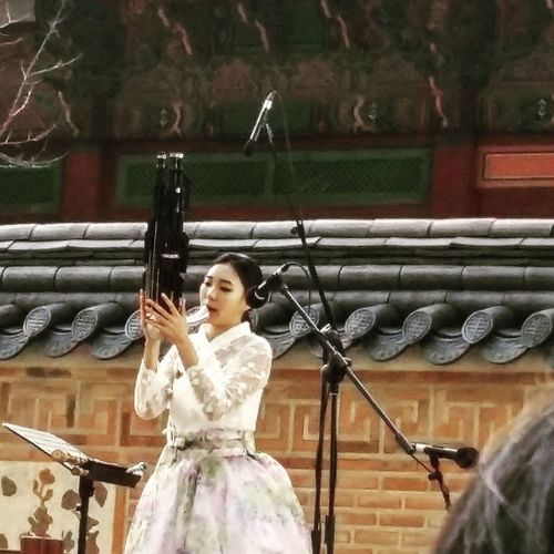 Cultural Performance Korean Performers Korean Women Performance Musical Performance Music Gyeongbokgung Palace, Seoul 1392 -1897 Built In 1395 Korean Traditional Music  Kr_streetphotography Seoulstreetphotography Streetphotography Seoul South Korea Seoulspring2017