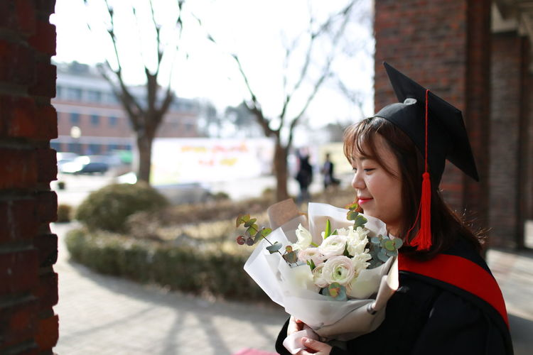 EyeemKorea Focus On Foreground Graduation Happy One Young Woman Only Only Women People Real People