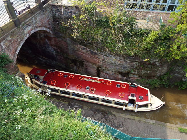 Boat Chester City Wall City Walls Shropshireunioncanal Canal Bridge Trees Adapted To The City