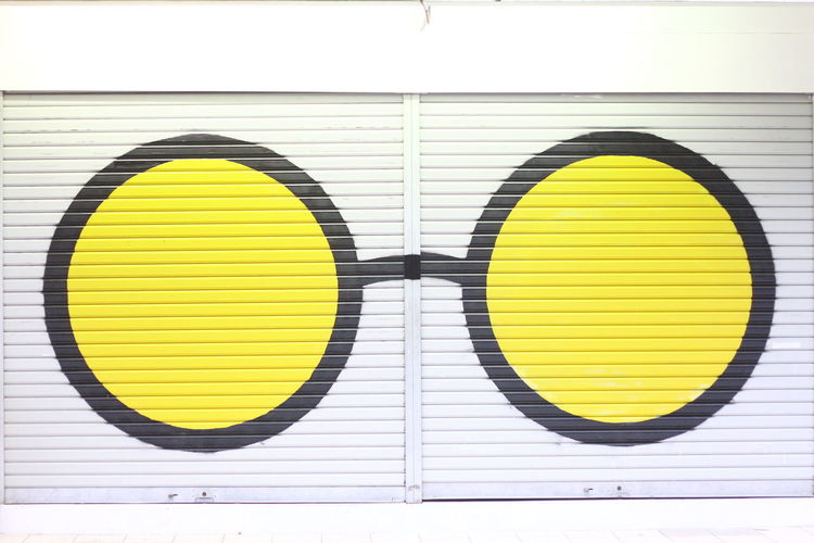 Street murall Yellow Multi Colored Circle Close-up Paint Oil Paint Oil Painting Modern Art Fine Art Painting Art And Craft Equipment Painter - Artist Art Studio