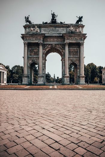Arco della pace against clear sky in city