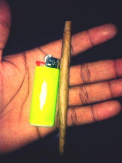 Rolling Joints Aint No Problem