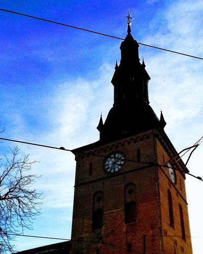 'TOWER Of One' Urban Skyline Urban Urbex Streetphotography Cold Winter Oslo 2019 Place Of Worship Clock Tower Clock Religion History Sky Architecture Building Exterior Built Structure Tower Bell Tower - Tower Tall Bell Tower Church
