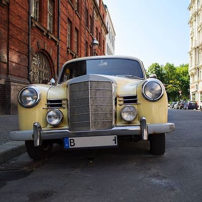 Heute in Berlin Moabit Lübeckerstrasse Asundaycarpic Vintagecar
