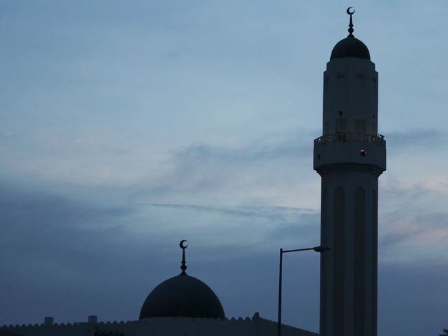Let the prayers be fulfilled..Amen Mosque Architecture Mosque Mosques Of The World Evening Evening Sky Evening Sky City Dome Spirituality Religion Place Of Worship Tower Sky Architecture Building Exterior