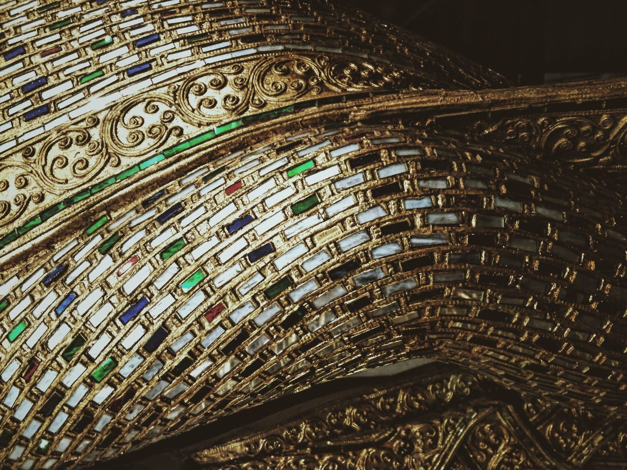 pattern, no people, art and craft, architecture, creativity, built structure, design, indoors, close-up, craft, the past, history, backgrounds, low angle view, ornate, full frame, day, religion