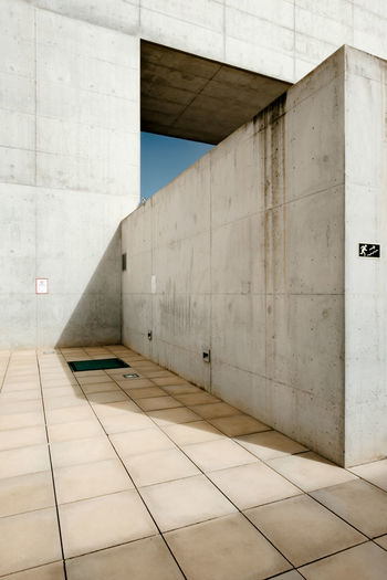 The Week on EyeEm Granada Granada, Spain Minimalism Minimal Minimalist Architecture Minimalist Architecture Wall - Building Feature Flooring Built Structure Tile Tiled Floor No People Indoors  Modern Building Day Absence Wall Marble Sunlight Architectural Column City White Color Concrete