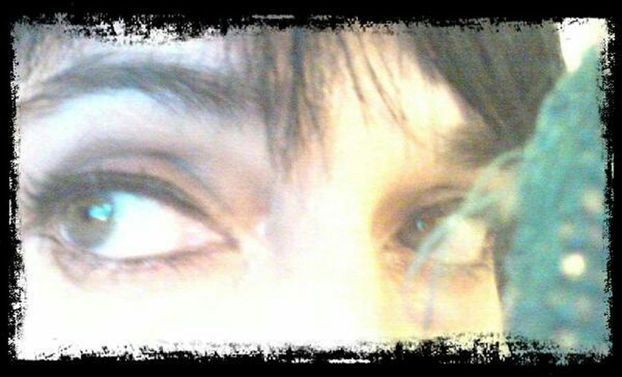 Certains disent que les yeux sont le miroir de l'âme.(merci Marcelo😉)... That's Me Look Into My Eyes... Beautyinmyeyes Whatareyouthinking ????😆
