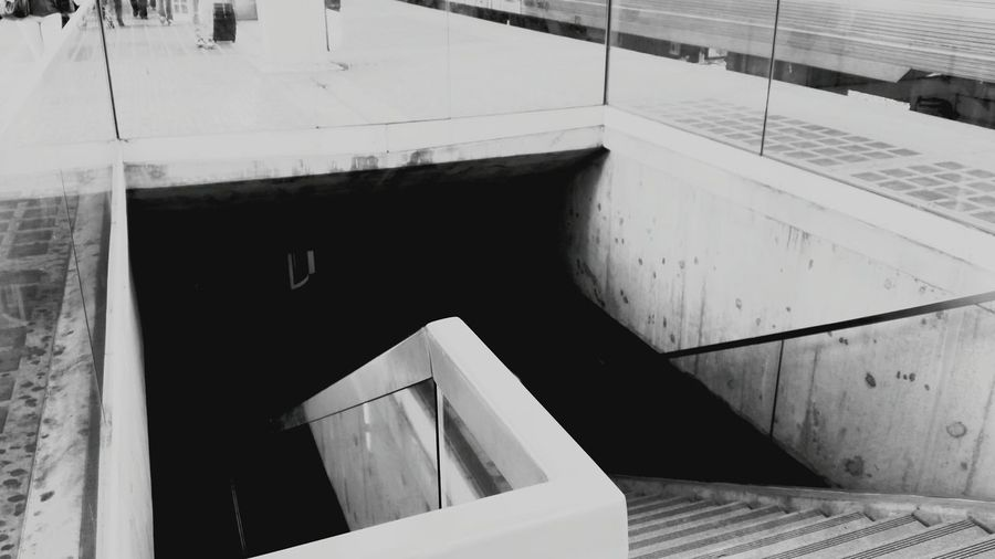 Learn & Shoot: Leading Lines Glitch Urban Photography Stairs Gare Do Oriente Lisboa Lisbon EyeEm Portugal Black And White Taking Photos Best Of Stairways B&w Street Photography