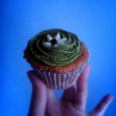 Goodmorning cupcake! Greentea 🍃🍂🍃 Cravings Foodporn Cupcake Foodlover