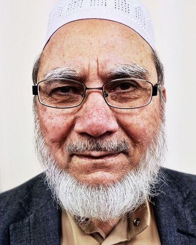 """""""I shall be 80 next birthday.."""" You'd never have realised, he was on the move constantly, attending to his guests. I had to be quick with this portrait...📷 Visit My Mosque London Lifestyle Looking At Camera Real People Beard Portrait Fujifilm_xseries FujifilmXPro2 Only Men Muslim Culture Portrait Photography Mature Adult Beardstyle Portraits London People"""