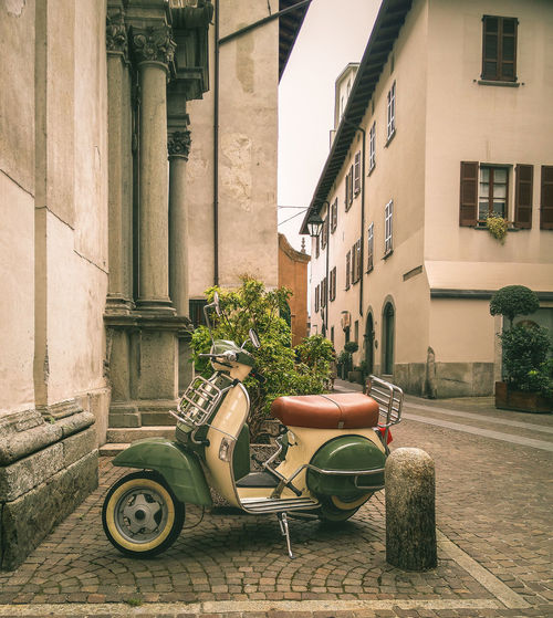 Andiamo! ;) Architecture Building Exterior Built Structure City Day EyeEm Italy EyeEm Team Italia Italy No People Old Buildings Old Town Outdoors Picturesque Vespa VESPA Bella Vespalovers Vespavintage Vintage Embrace Urban Life Tadaa Community My Year My View Finding New Frontiers Long Goodbye The Street Photographer - 2017 EyeEm Awards Ancient