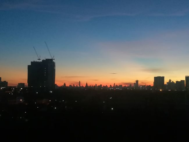 Goodmorning Skyscraper Urban Skyline Downtown District City Cityscape Architecture City Life Sunrise Sky No Filter No Edit Huawei Collection EyeEm Thailand Huaweiphotography
