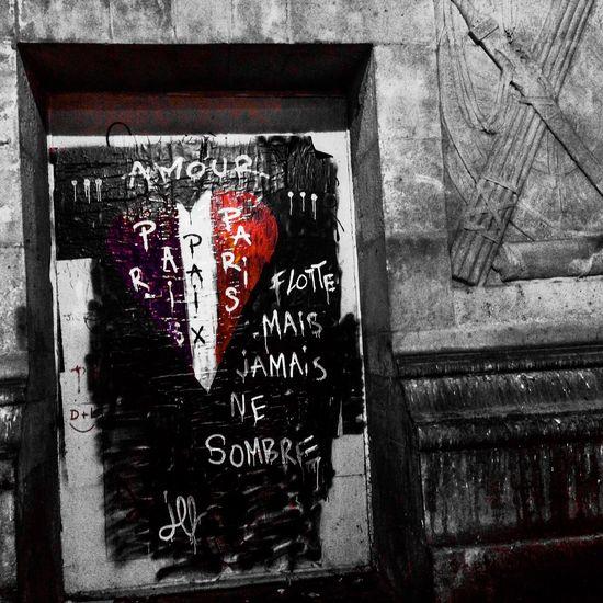 Paris ❤ Jackleblack Il Est Battu Par Les Flots, Mais Ne Rompt Pas Fluctuat Nec Mergitur Bluewhitered Paris Streetart