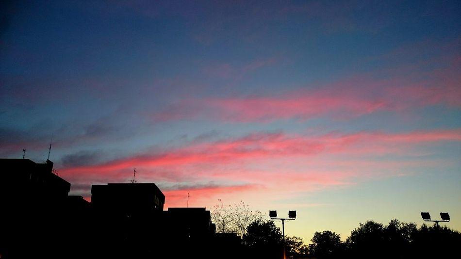 Taking Photos Hello World Nubes Y Cielo Desdemiventana Sky Puestadesol Sunrise_sunsets_aroundworld Sunset_collection