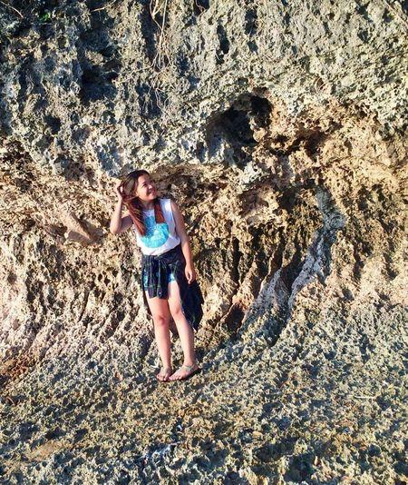 Break The Mold Rocks And Minerals Rocks On The Shore Beach Vacations Leisure Activity Outdoors Sunlight Beauty In Nature ThatsMe Hello World Summer ☀ Nature Explore Nature Island Hopping Islandgirl Island Life