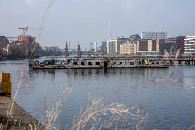 Am Wasser Travel Destinations Travel Reisen Stadt City Stadtansichten EyEmselect Deutschland Germany Wasser Water Draußen Altes Boot