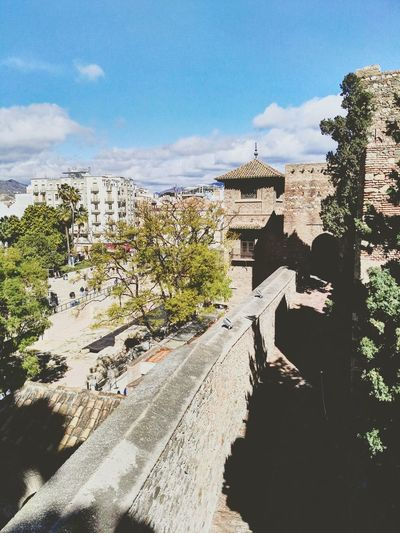 Málaga. Malaga Mobilephotography Andalucía Mobileart Huaweig8 Streetphotography Malagacity Photoart Color Photography Spain ✈️🇪🇸 Huawei Photo Of The Day Photo Mobilephoto España🇪🇸 Photography Alcazaba