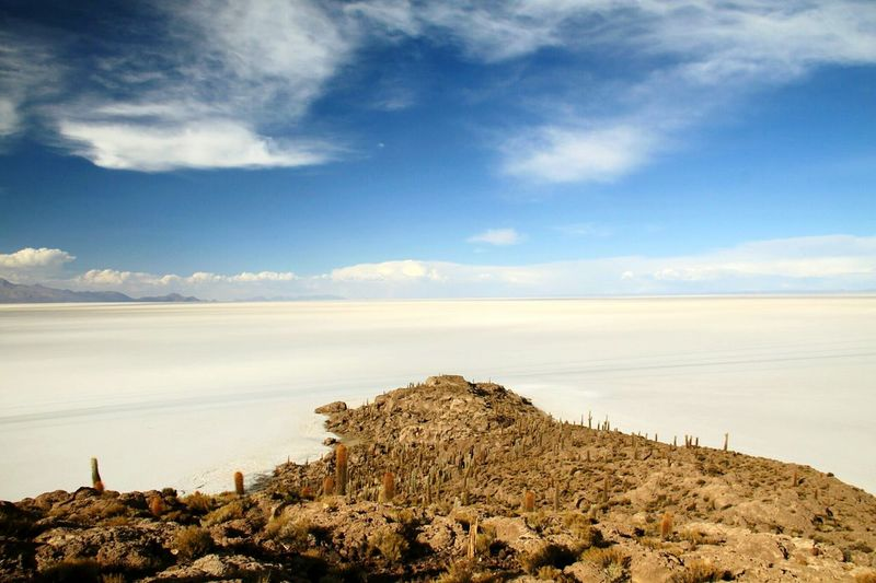 Blue Sky Bolivia Uyuni Salt Flat Landscape_photography