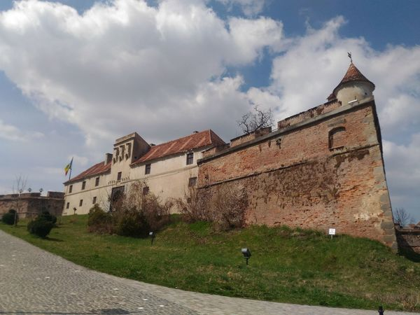 Cetatea Brasov Architecture Building Exterior Built Structure History Cloud - Sky No People Outdoors Sky Fort Day Brasov Council Square Brașov,România Brasov Romania Gabrielbzt Fortress Fortress Brasov Fortress Wall Fortress In Europe Fortress View Fortress Of Stone Fortress Europe European  Europe Trip