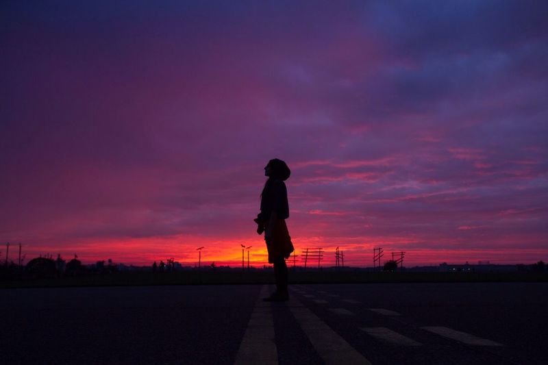 Flughafen Tempelhof  Tempelhofer Feld Wow Sunrise Sunset Silhouette Sky Cloud - Sky One Person Beauty In Nature Nature Outdoors Scenics Full Length Real People People
