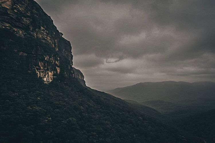 Storm clouds at The Blue Mountains-Australia. Nature Mountain Beauty In Nature Landscape Scenics Outdoors Cloud - Sky No People Sky Day Clouds Dark Moody Moody Sky Moody Weather Cliffs Cliff EyeEm Gallery EyeEm Nature Lover EyeEm Best Shots