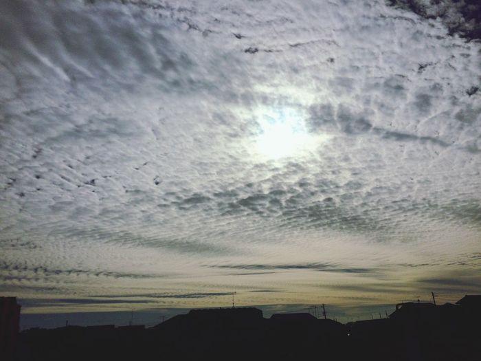 不思議な光景👀 Sky パシャリ Tokyo,Japan Hino 車の中 Beautiful