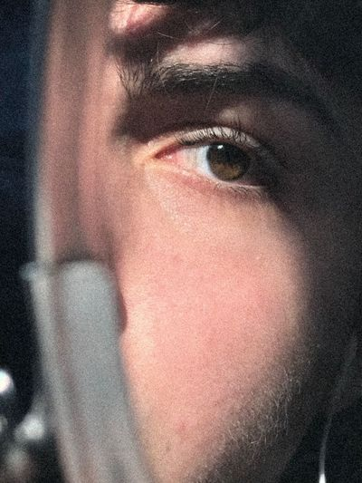 «dévisager» 001 - 2019ossevigt - Louis D. Face Browneyes Blur Blurred Motion Sunlight Sun One Person Eye Close-up Looking At Camera Portrait Human Eye Body Part Human Body Part Young Adult Indoors  Human Face Headshot Real People Front View Men Eyebrow Lifestyles Contemplation My Best Photo