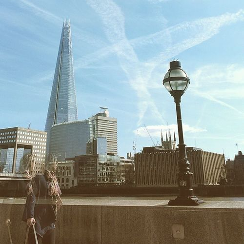 Shard contrails Capturing Movement Shard Theshardlondon London Thames River Thames