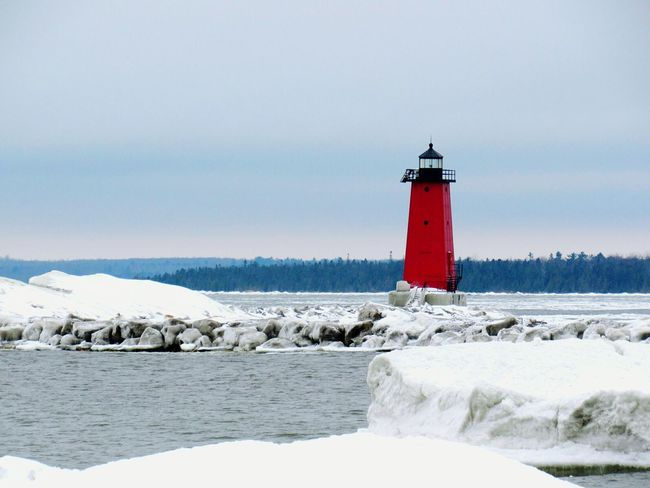 Manistique Lighthouse Taking Photos Upper Peninsula Puremichigan Lighthouse Enjoying Life Greatlakes
