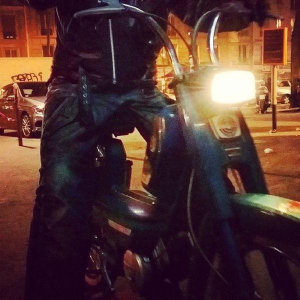 Comme un Biker Paris Caféchéri Mobylette