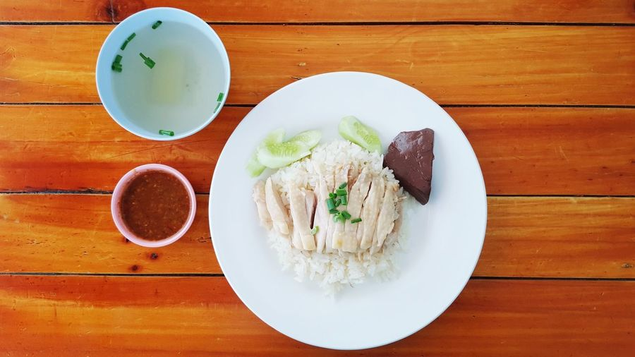 EyeEm Selects Thai Hainanese Chicken Rice Food Gourmet Meal Soup Dish Cuisine Healthy Diet Asian  Steamed  Thailand Lunch Sauce Cucumber Bangkok Style Delicious Restaurant Food Stories